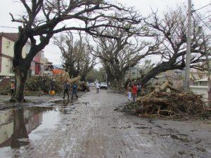 Strade-devastate-dal-ciclone-in-Mozambico